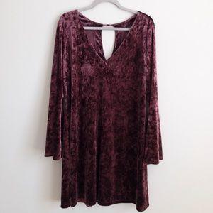 a.n.a. bell sleeve velvet burgundy dress, L